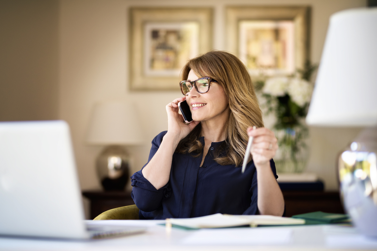 How to Create a Voicemail Greeting for Your Business (Including Scripts You Can Use)